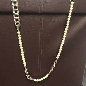 Kenneth Cole pearls meat silver hardware necklace